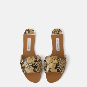 ✨ZARA✨Animal Print Leather Flat Sandals